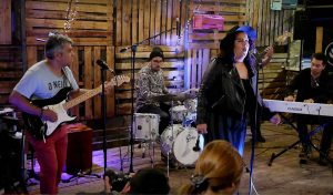 La banda Ariqueña «Blax» lanzó su nuevo material llenando de Funk y Soul a Youtube